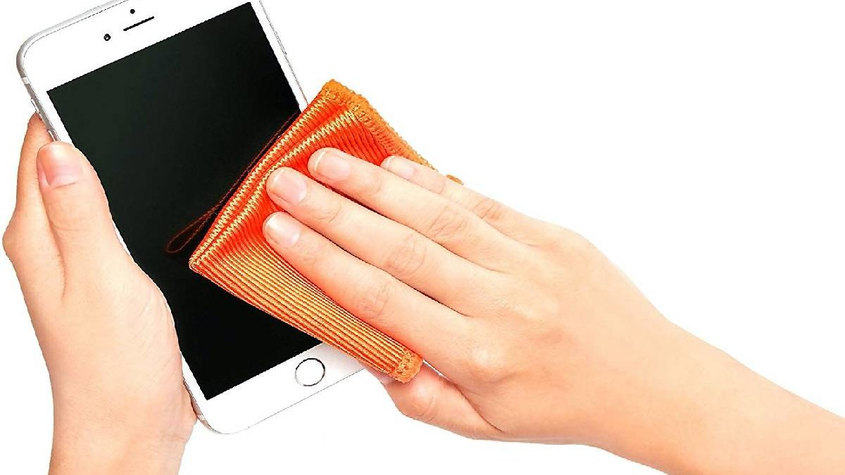 How to Wipe an iPhone? – Tips to Clean an iPhone, and More