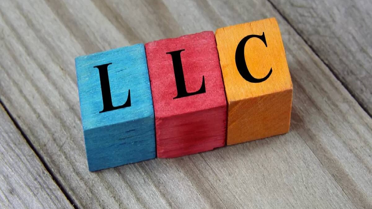 Can I use my virtual business address for an LLC?