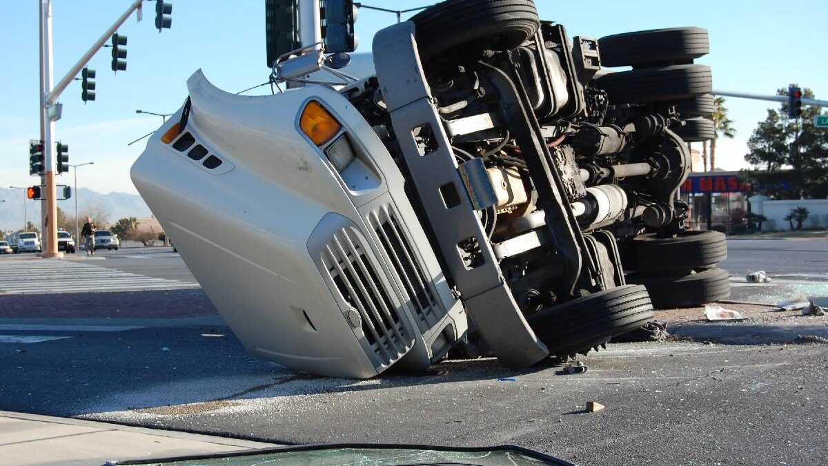 Why Should You Hire a Truck Accident Lawyer?